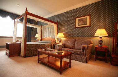 Classic British – Elstead Hotel